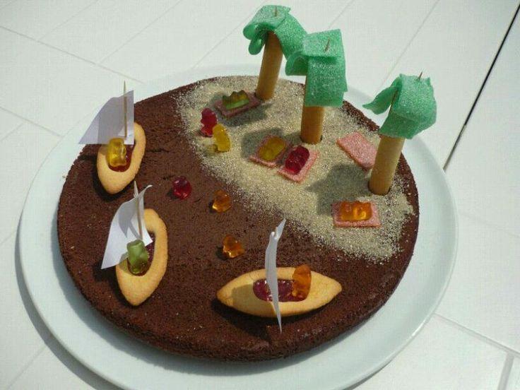 Ou comment donner un peu de rêve a ses enfants. Un avant goût de vacances.... Pour cette recette, la base est un gâteau au chocolat...