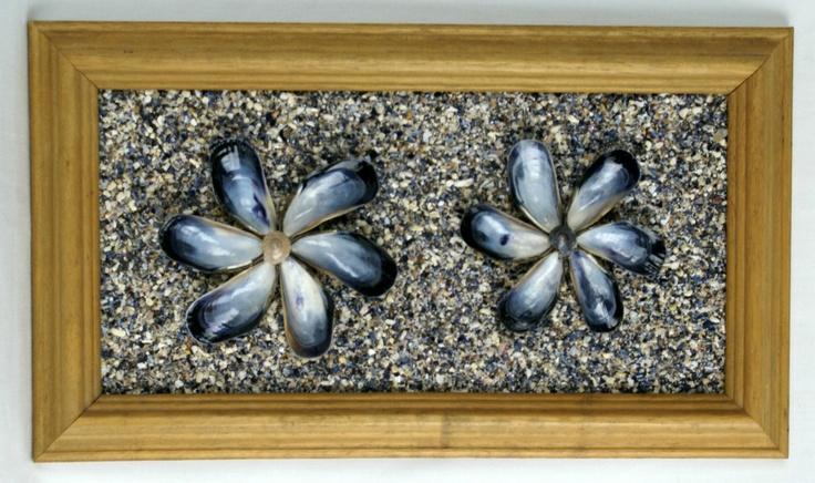 Vintage Mussel Shells Mosaic Sand Art Wall Hanging Flowers