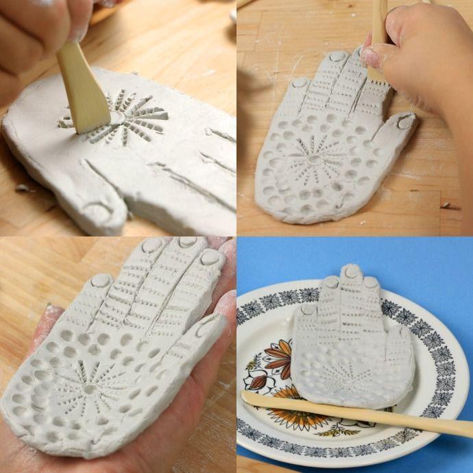 Come realizzare una mano di Fatima in ceramica