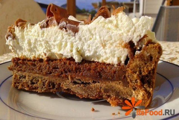 Шоколадно-сливочный тарт «Миссисипи» http://ricettio.com/recipe-1687-shokoladno-slivochnyiy-tart-missisipi  Мега-шоколадный тарт из песочного теста и шоколадной начинки – это превосходное лакомство! Начинка тарта «Миссисипи» напоминает нежное и воздушное суфле. А сливочный крем с шоколадной стружкой походит на мороженое. Таким тартом можно смело угощать даже самых привередливых гостей.