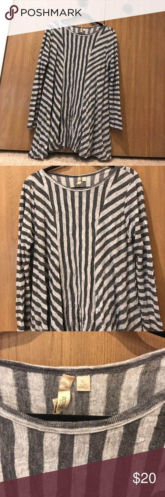 Comfy USA striped long sleeve Striped. Crinkled/sweater material. Super soft. Great for fall! Tops Tees - Long Sleeve