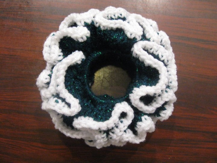 Double Crochet Scrunchie - Meladora's Crochet Tutorials