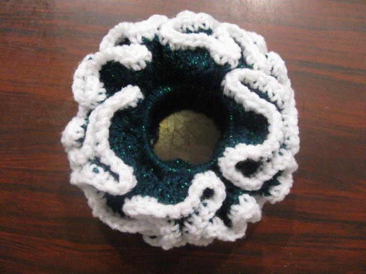 Crochet Hair Accessories Tutorial : Crochet Hair Accessories on Pinterest Ear Warmers, Free Crochet ...
