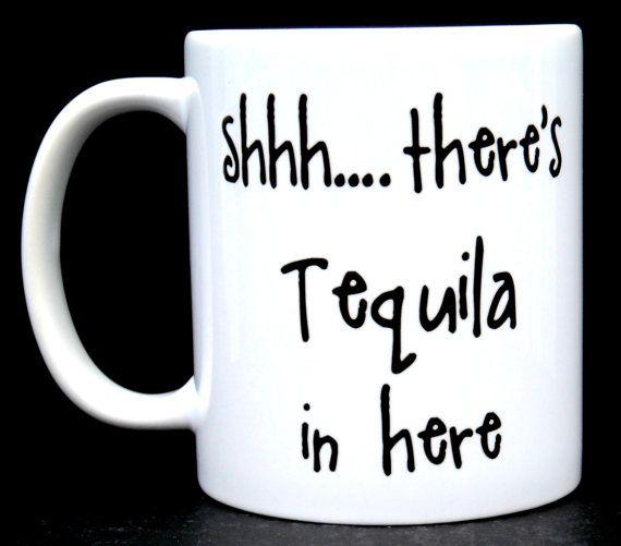 Möchten Sie Ihre Kolleginnen und Kollegen Ihr Geheimnis haben, dass Sie Ihr Erwachsenen Getränk in seiner heutigen Sitzung über potentielle Geschäftsprognosen? Schmuggel sind  Nun ja... haben wir für Sie einen Becher! Diese Keramiktasse stolz erklärt  Pssst... Hier gibt es Tequila.   Statt allein trinken, wie einige Spinner, prahlen Sie, Tequila in Ihre Kaffeetasse haben für andere. Es wird sein, wie Sie alle zusammen dann trinken und es nicht mehr traurig ist.  Wir verwenden weiß 11oz…