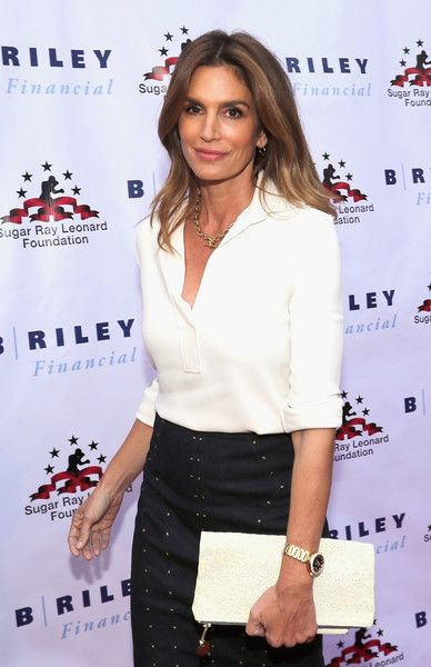 "Cindy Crawford attends B. Riley & Co. and Sugar Ray Leonard Foundation's 7th Annual ""Big Fighters, Big Cause"" Charity Boxing Night at Dolby Theatre on May 25, 2016 in Hollywood, California."