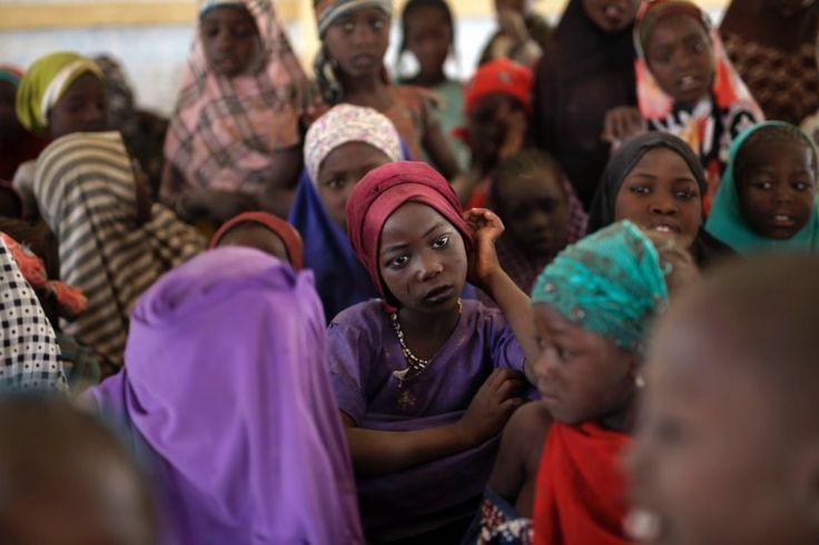 Geflohene nigerianische Mädchen: Sie konnten der Boko-Haram-Miliz entkommen. Tausenden erging es schlechter, sie wurden von den Extremisten entführt, missbraucht oder ermordet.