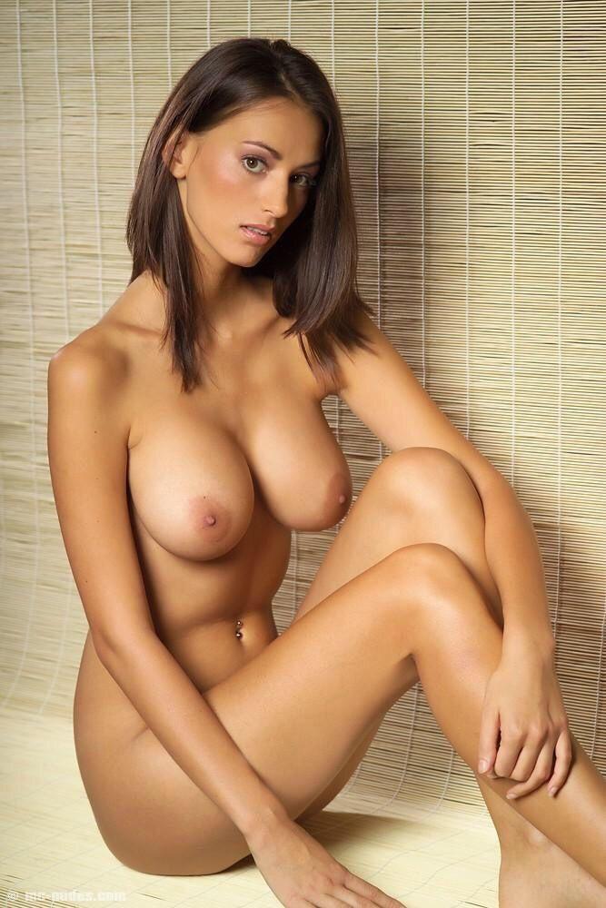 Babes sexy natural brunette makes love to her boyfriend 5