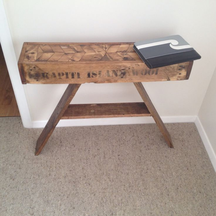 Upcycled and recycled Pallet hallway table DIY Pallet furniture