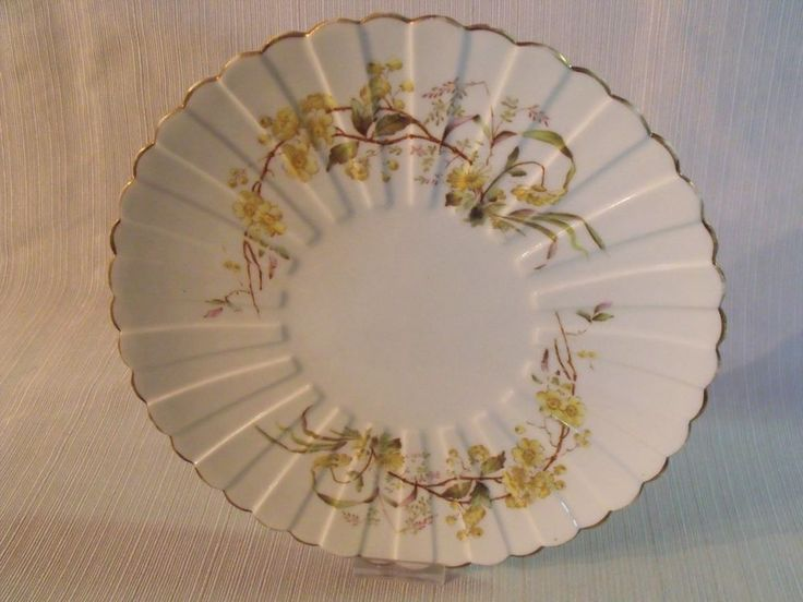 Royal Worcester Cake Plate Handled England Bone China White Gold Rim | Worcester Royals and China & Royal Worcester Cake Plate Handled England Bone China White Gold Rim ...