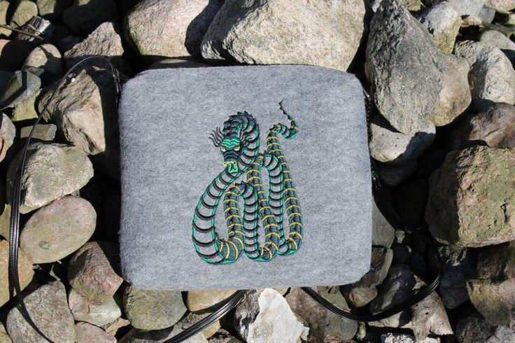 Snake - lovely inside (proj. Lilu Cecylia Manicka), do kupienia w DecoBazaar.com