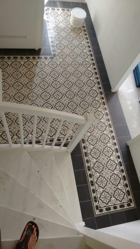 Portugese cement tegels in onze hal (van keramiek)