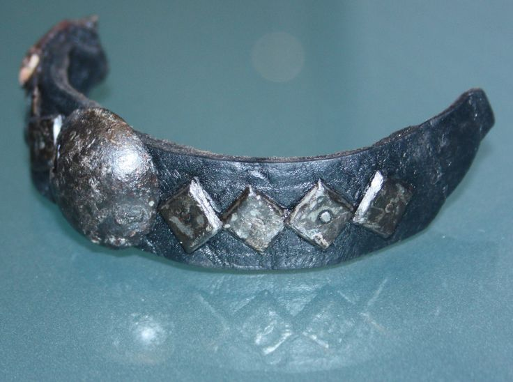 Medieval dog collar. XIV Century.