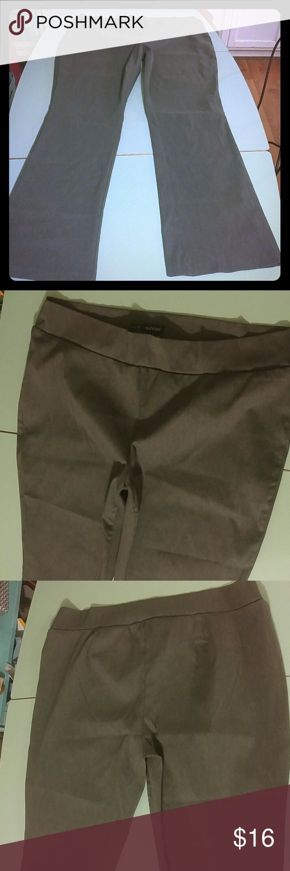 Maurices plus Gray smart dress pant 3L (3xl) Maurices plus size smart fit gray slim boot pant. Size plus 3 long. 34 inch inseam. Maurices Pants