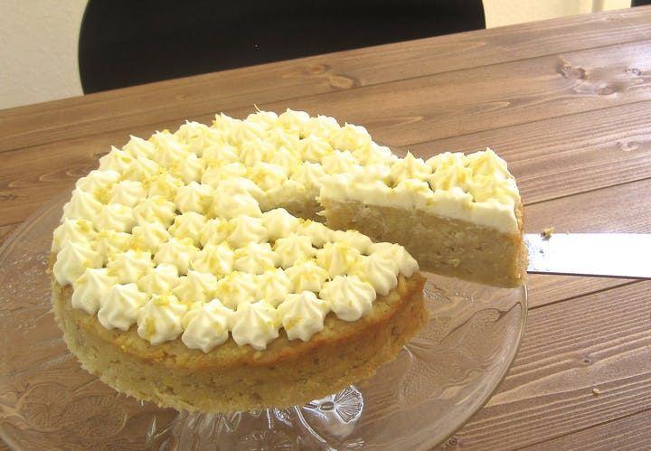 Superlækker æblekage med et sommerligt pift