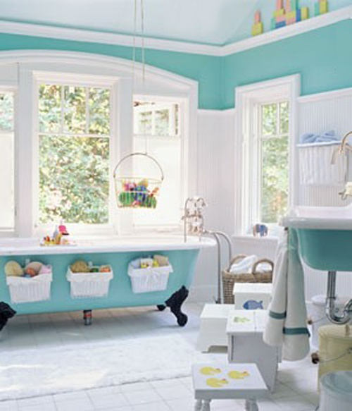 the blue bathroom from a different view. so so cute!