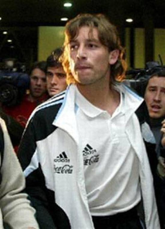 Otro dolor de cabeza  El regreso de Heinze está estipulado para mayo de 2006.