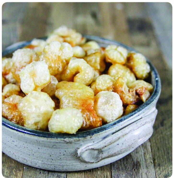 Sarah shares with us a recipe from The Paleo Approach Cookbook, for Pork Rinds! It was inspired by our recipe in Beyond Bacon!