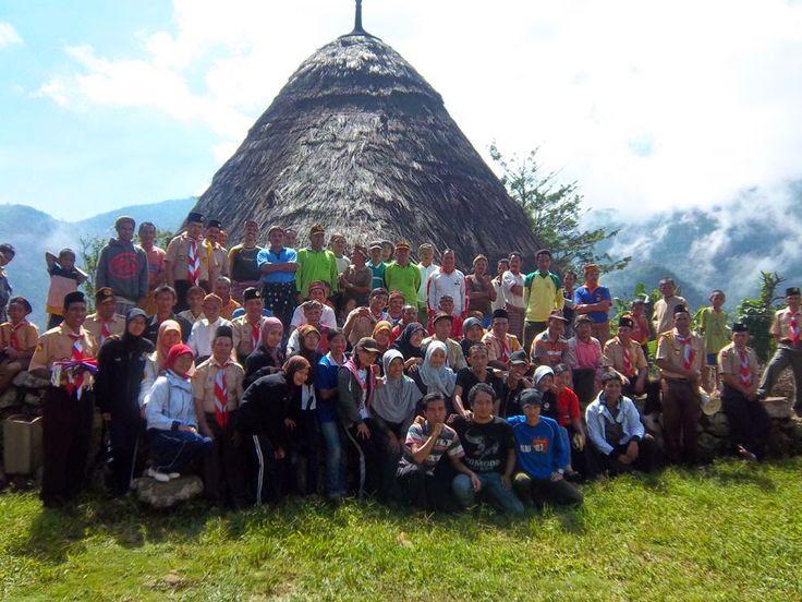 Kebersamaan dengan penduduk kampung Wae Rebo