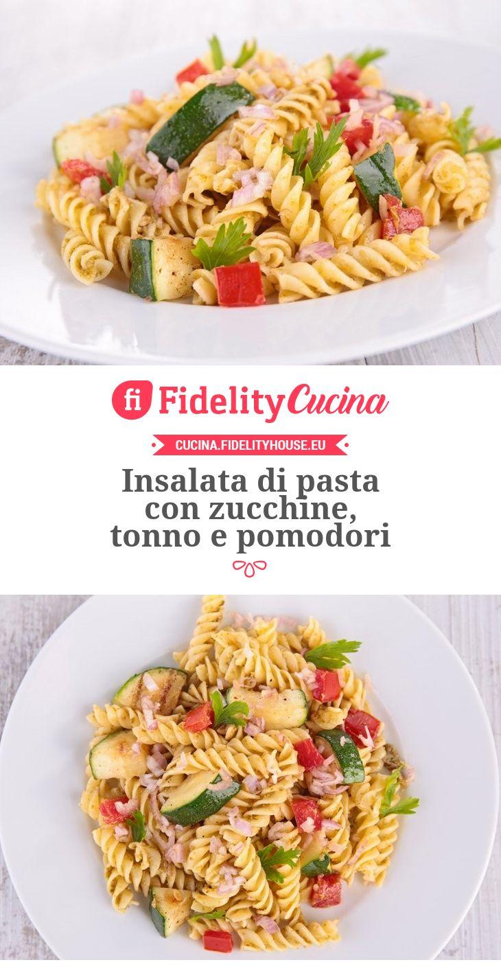 Insalata di pasta con zucchine, tonno e pomodori