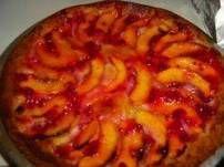 nectarine taartje staat in de oven. Ben benieuwd!