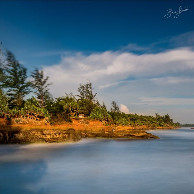 Cracking Coast Line For the full image head to my blog > http://www.brucelevick.com/cracking-coast-line/ Waves crash against the coast of West Sumatra with the city of Bengkulu in the distance. The ocean is gaining ground every year…   #10Stop, #Beautiful, #Beautifulworld, #Bengkulu, #Blue, #Exploreasia, #Exploreindonesia, #Filters, #Indonesia, #Landscape, #Nisi, #Ocean, #Photography, #Red, #Sea, #Seascape, #Sumatra, #Sunset, #Travel, #Visitbengkulu, #Waves, #Wonderf