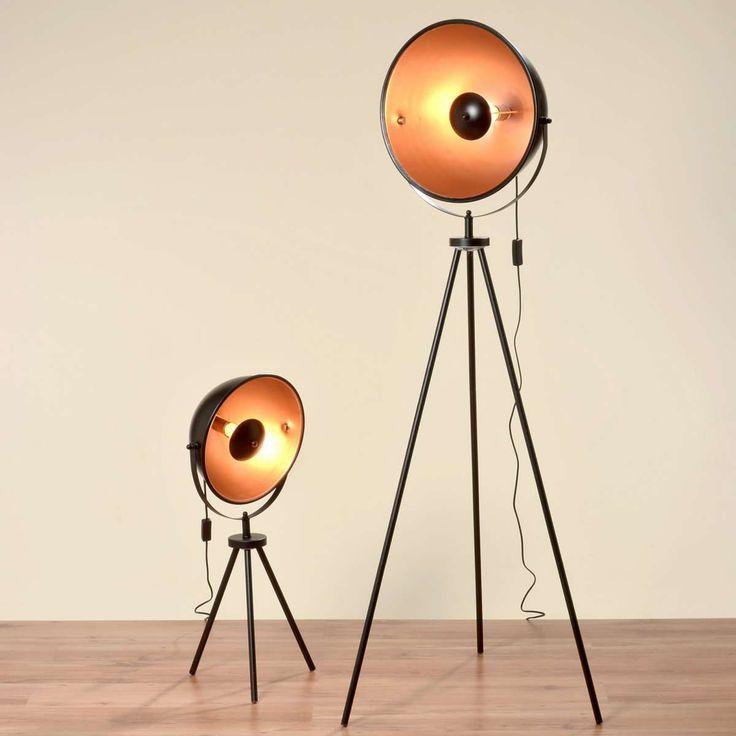 Studiolampe mit 160cm Höhe und einem goldenen Schirm Stehlampe Lampe Studio