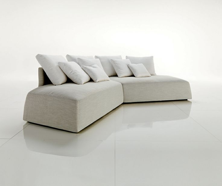 Contemporary and modern white sofa for lavish living room for Sofa divano