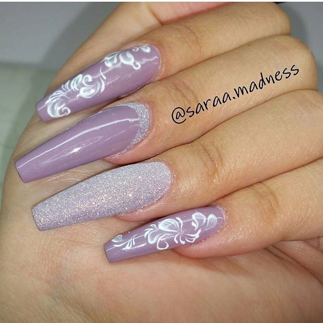 Blueberry Milk Gel Polish and handpainted art. Made by @saraa.madness @saraa.madness . . #lillynails#nails#nailart#naglar#gelnails#gelenaglar#gelpolish#gelelack#acrylicnails#akrylnaglar#instanails#nailstagram#nailtech#nailswag#nagelutbildning#nagelkurs#nagelskola#nagelsalong#nagelterapeut#nailtech#nailwow#nailinspo#nailinspiration#tmblrfeature#glitter#hudabeauty