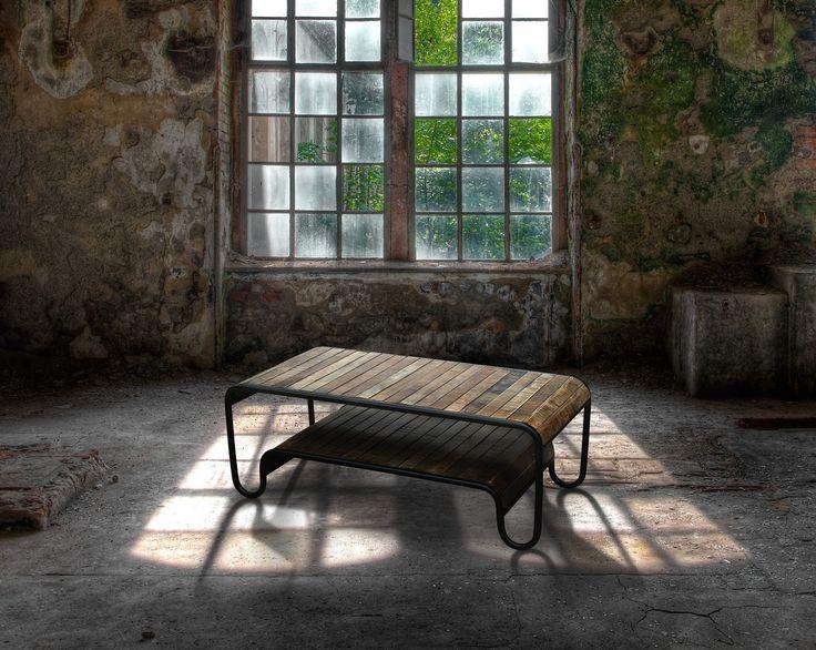 Rustikt Sofabord i Mangotræ - http://indieliving.dk/shop/rustikt-sofabord-christiania-595p.html