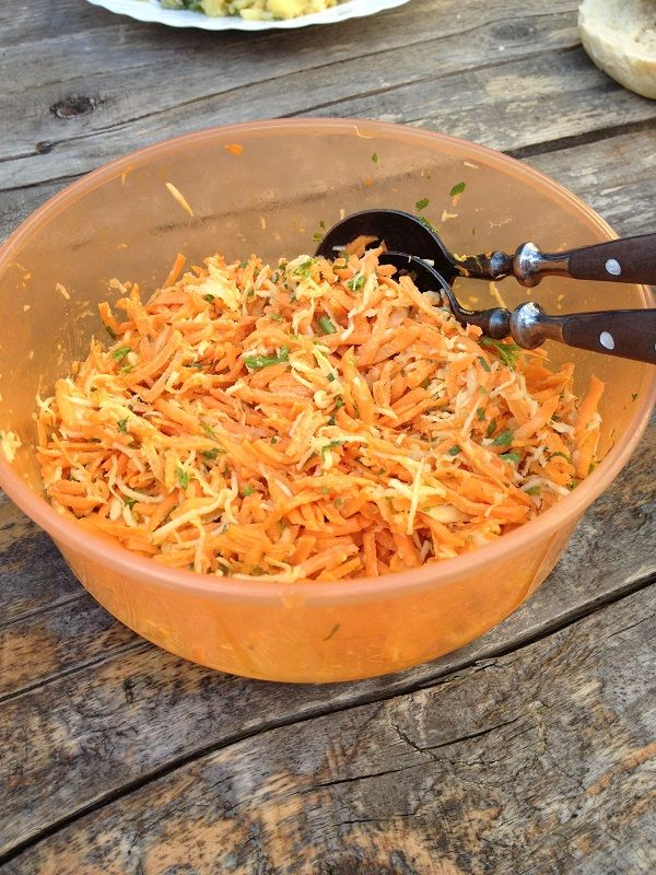 The German Carrot-Celery salad is great for the barbecue and as a side dish or as part of a mixed salad, together with potato salad and lettuce.