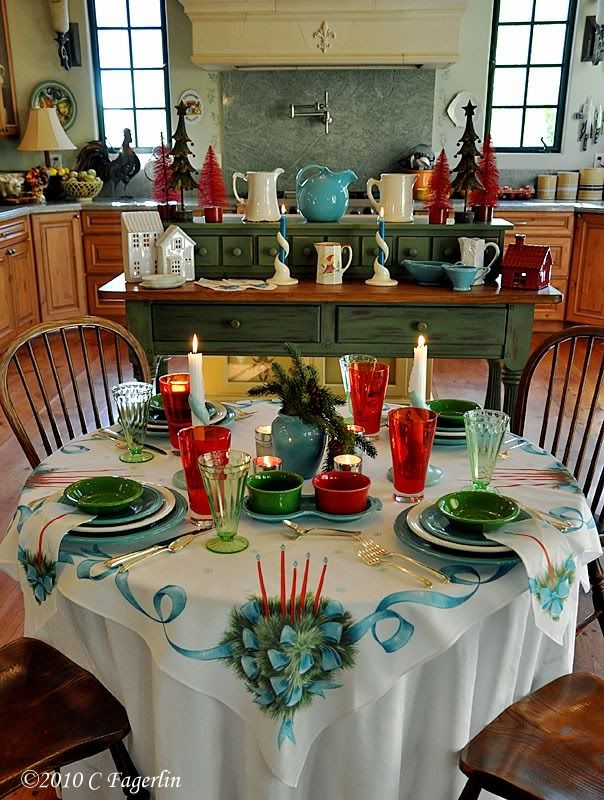 Love This Colorful, Vintage Christmas Table!