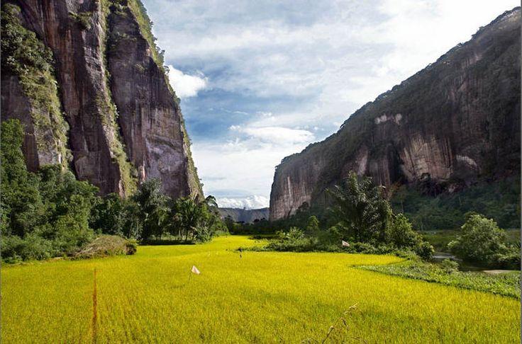 lembah-harau taken at kec Harau,kab Limapuluh kota,Payakumbuh,West Sumatera