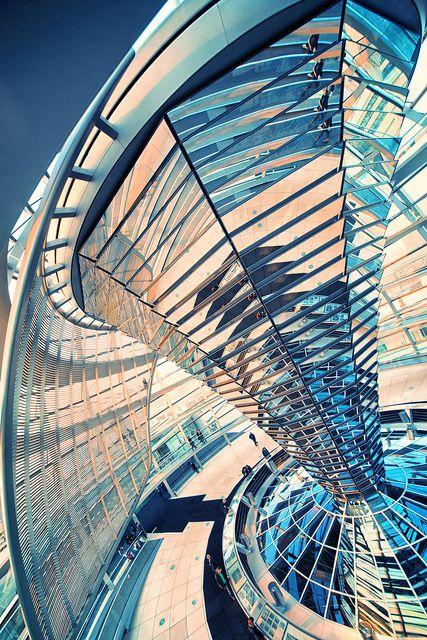 Diagonale compositie: Hier worden de objecten langs een diagonale lijn op het beeldvlak geordend, bijv. van rechtsonder naar linksboven