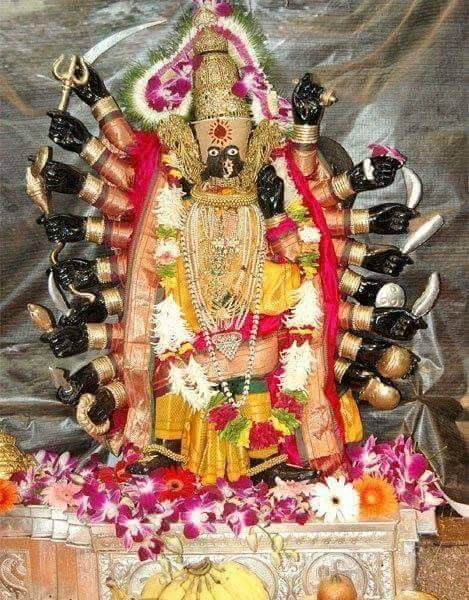 Kolhapur Mahalakshmi in Devi Saptashrungi Alankara - TemplePurohit.com - http://ift.tt/1HQJd81