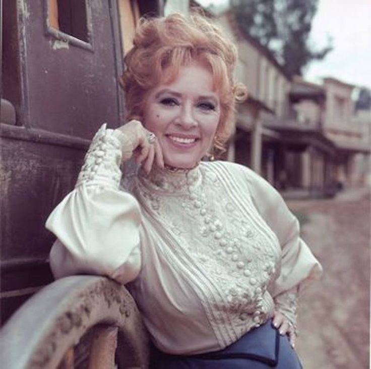 a history of women roles in the western movies In the world of tv and movie westerns, there are a whole lot of familiar  patrick  in his early roles as a young cowboy on shows like bonanza,.
