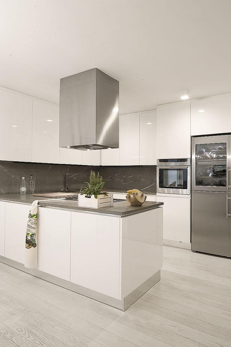 Risultati immagini per cucina bianca bancone grigi