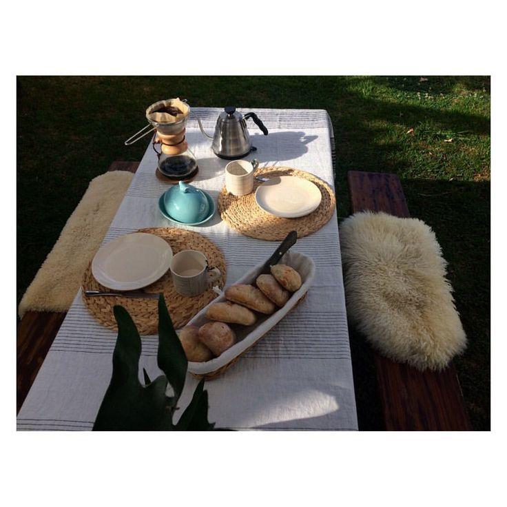 """55 Gostos, 2 Comentários - Andreia Barata Costa (@andreiacostahandmade) no Instagram: """"Hoje, mesa para 2. O sossego de agora compensará a saudade que virá depois [ espero! ]…"""""""