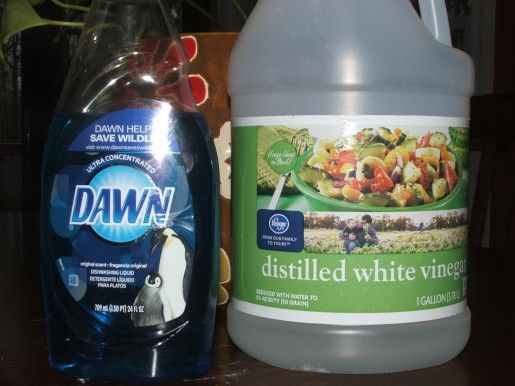 17 best images about cleaning hints on pinterest for Vinegar bathroom cleaner