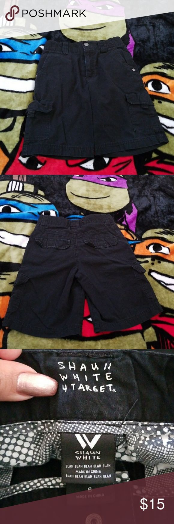 Boys Size 6 Shaun White black cargo shorts Boys Size 6 Shaun White full black cargo shorts with adjustable waist.  Lightweight and comfortable 100% cotton. Used but in excellent condition. Shaun White Bottoms Shorts
