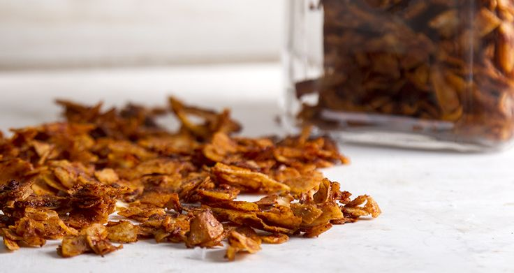 Delicious and crunchy coconut bacon! Smoky flavor, saltiness from the soy sauce,crispy coconut flakes and sweetness from the honey.