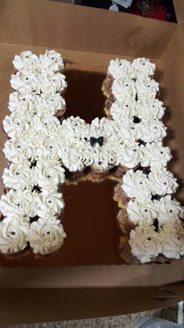 Letter H Shaped Pull A Part Cupcake Cake In 2019 Cupcake