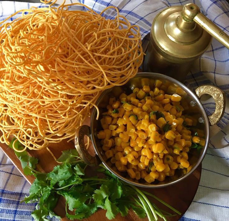 http://indianspicecompany.co.uk/2017/02/06/sev/  Delicious golden yellow light crunchy sev! Gluten free and  vegan xx