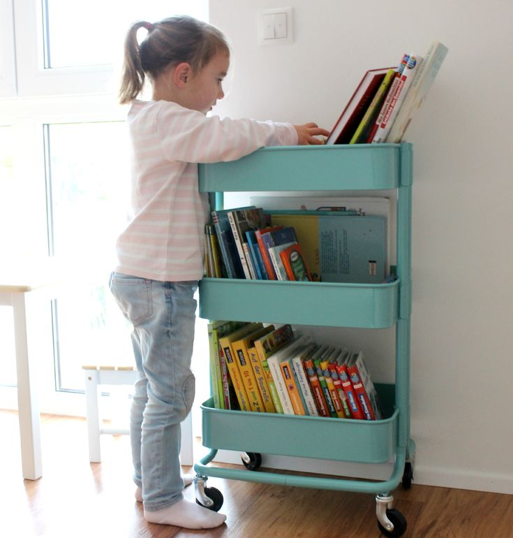 Bücherregal im Kinderzimmer  www.lifestylemommy.me