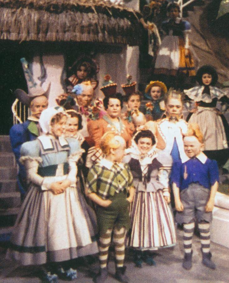 Wizard Of Oz Munchkins Wizard of oz munchkinland
