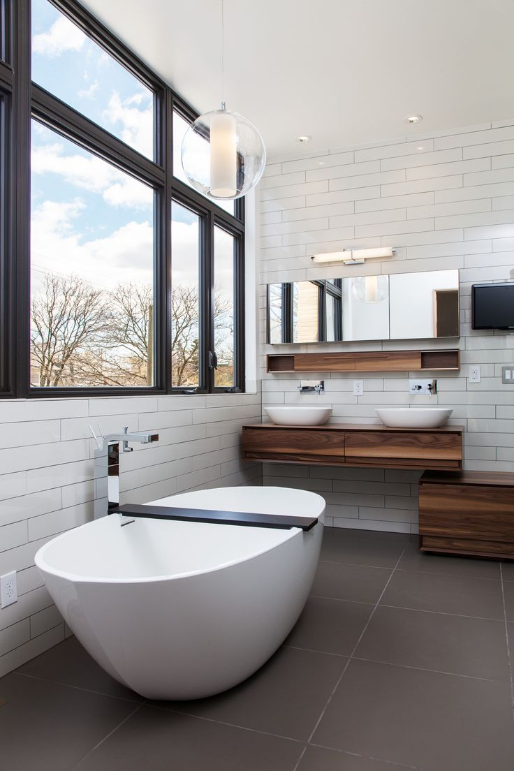 Love a bathroom that makes use of pans in place of sinks. Allows for grey water usage.
