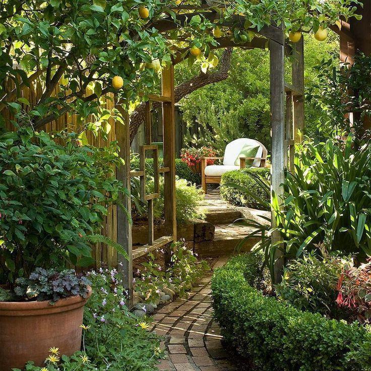 Non esitare a creare angoli nascosti nel tuo giardino, questo …