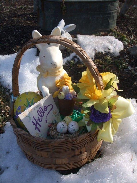 1000+ images about Vintage Easter Baskets on Pinterest ...