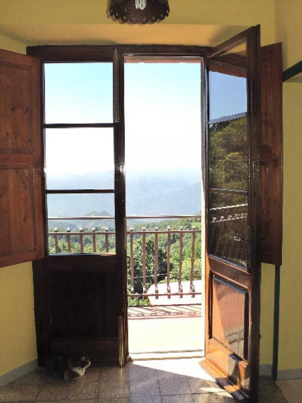 Property for sale in Tuscany, Lucca, Barga, Italy - Italianhousesforsale - http://www.italianhousesforsale.com/view/property-italy/tuscany/lucca/barga/1802525.html