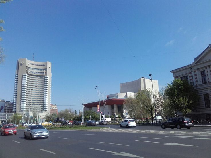 Hotel Intercontinental si T.N.B.