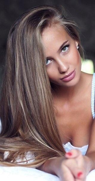 Dark hair with few blonde highlights